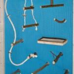 Basis-Kfigausstattung-mit-viel-Natur-Vogelzubehr-Vogelspielzeug-Sitzstangen-Sitzbrett-Schaukel-uvm-0