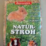 12er-Pack-Naturstroh-1kg-Einstreu-und-hochwertige-Tiernahrung-0